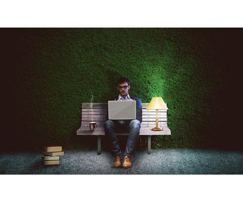 El escritor que triunfó autoeditando su libro tras 100 rechazos