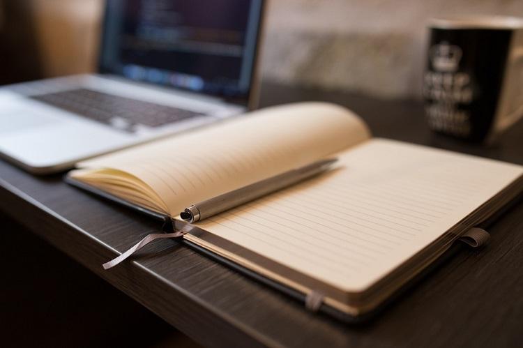 ¿Cuáles son los pasos a seguir para presentar una obra a un certamen literario?